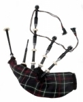 BLACK-AFRICAN-WOOD-BAGPIPE,-MACKENZIE-TARTAN-BAG-COVE