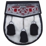 WHITE-RABBIT-FUR-SPORRAN,-CELTIC-KNOT-DESIGN-HEAD-ON-FLAP-SNAP-